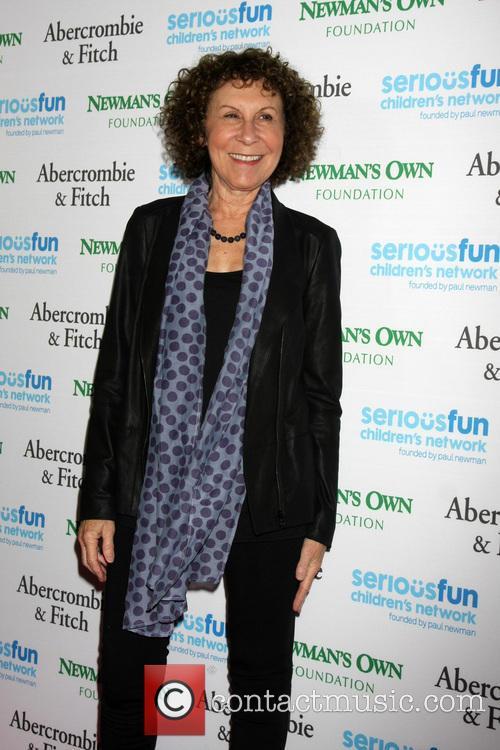 Rhea Perlman 2