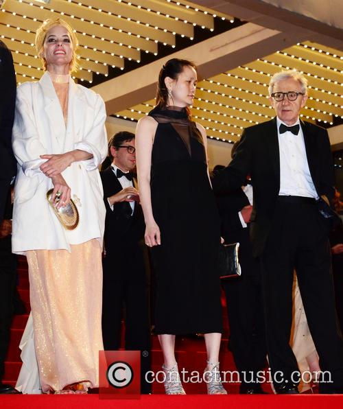 Woody Allen, Soon-yi Previn and Parker Posey 6