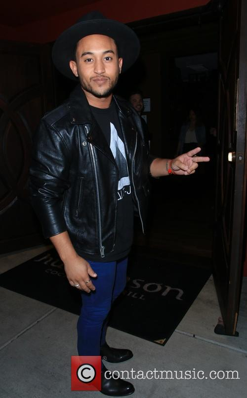 Tahj Mowry arrives at Hutchinson Grill