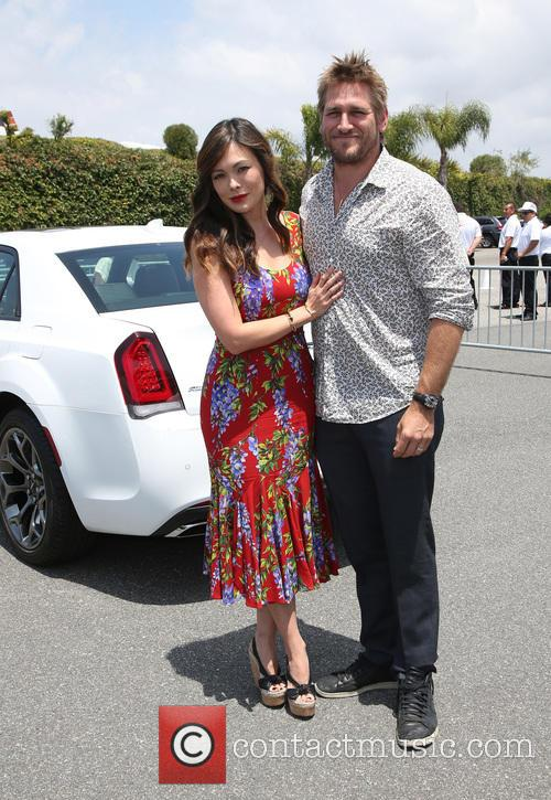 Lindsay Price and Curtis Stone 5