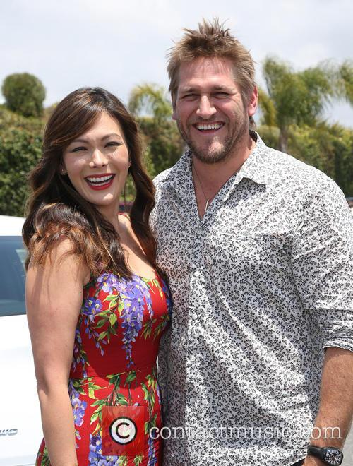 Lindsay Price and Curtis Stone 11