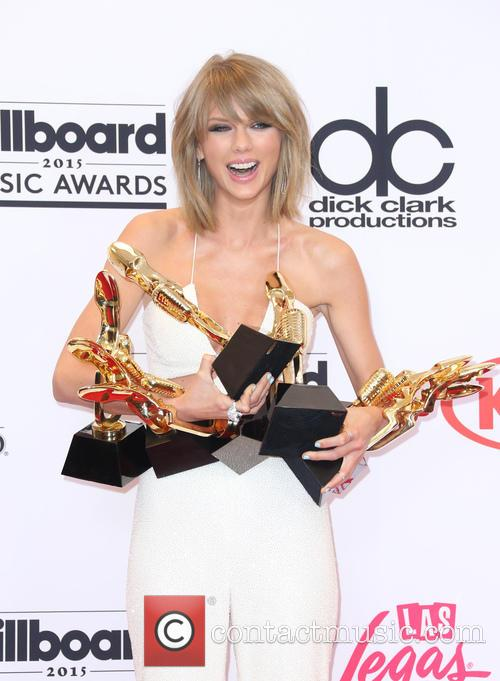 Taylor Swift's New Video Receives Mad Love, Tops Vevo Record