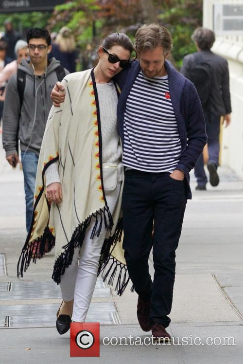 Anne Hathaway and Adam Shulman 7