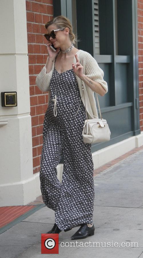 A pregnant Jaime King goes to the doctors...