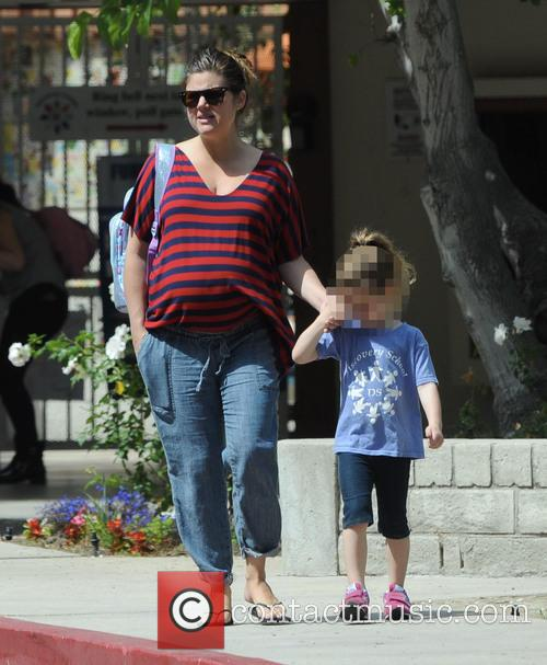 Tiffani Thiessen and Harper 10
