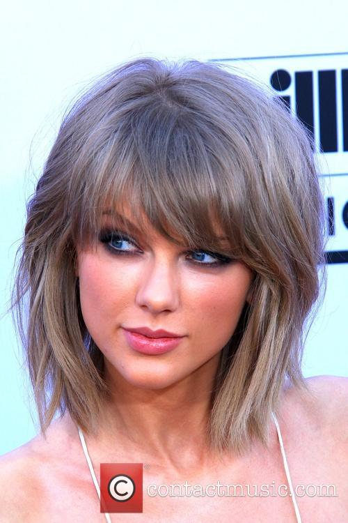 Taylor Swift Shares Video Of Her Stunt Fail From 'Bad Blood' Set