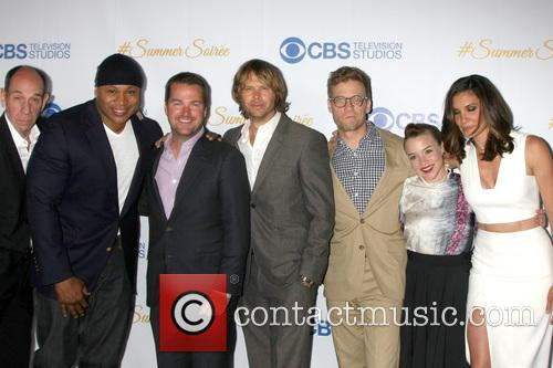 Miguel Ferrer, Ll Cool J, Chris O'donnell, Eric Christian Olsen, Barrett Foa, Renee Felice Smith and Daniela Ruah 6