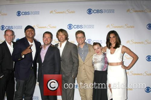 Miguel Ferrer, Ll Cool J, Chris O'donnell, Eric Christian Olsen, Barrett Foa, Renee Felice Smith and Daniela Ruah 7