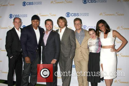 Miguel Ferrer, Ll Cool J, Chris O'donnell, Eric Christian Olsen, Barrett Foa, Renee Felice Smith and Daniela Ruah 1