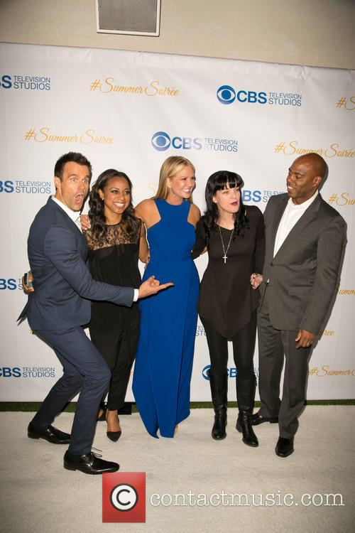Cameron Mathison, Nischelle Turner, Nancy O'dell, Pauley Perrette and Kevin Frazier 10