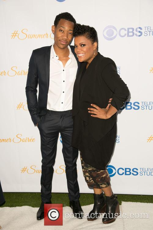 Tyler James Williams and Yvette Nicole Brown 3