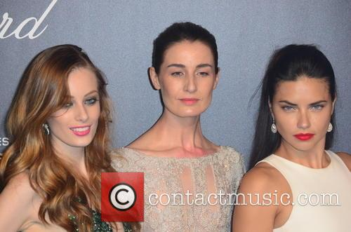 Erin O'connor, Adriana Lima and Guest 5