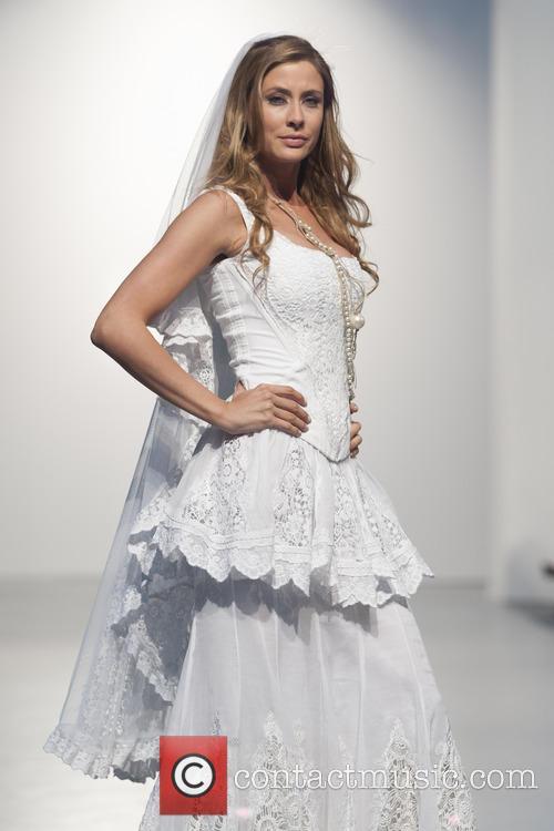 Elisabeth Reyes 6