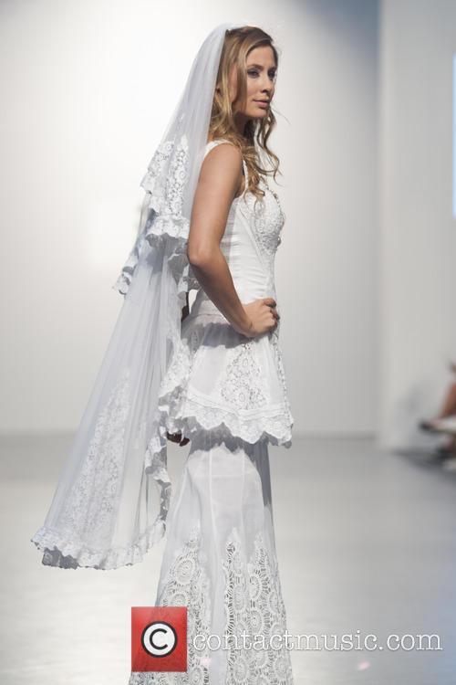 Elisabeth Reyes 8