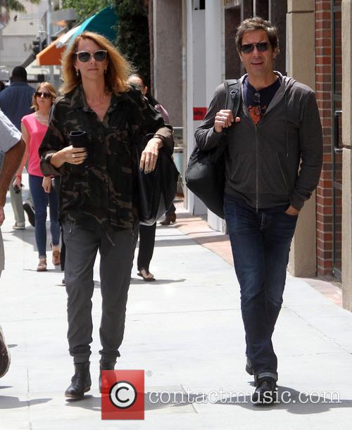Eric Mccormack and Janet Holden 7