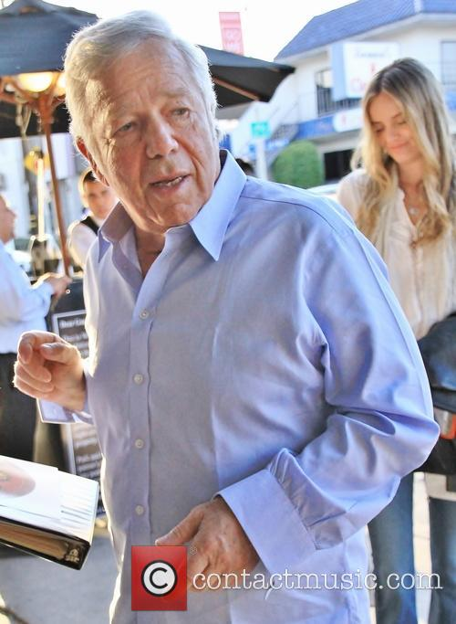 Robert Kraft visits Craig's restaurant