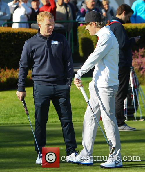 Nial Horan and Paul Scholes 2