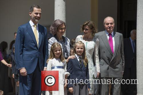 King Juan Carlos, Queen Sofia, King Felipe Vi Of Spain, Princess Sofia Of Spain and Princess Leonor Of Spain 5