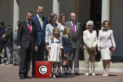 King Juan Carlos, Queen Sofia, King Felipe Vi Of Spain, Princess Sofia Of Spain and Princess Leonor Of Spain 1