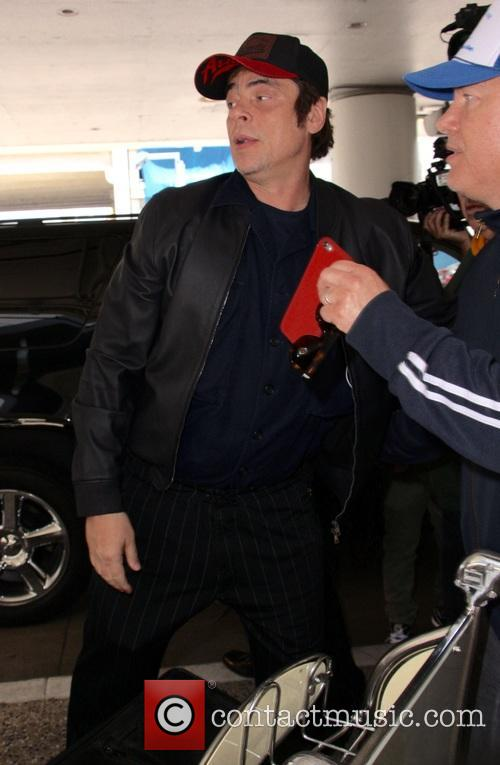 Benicio del Toro at Los Angeles International Airport...