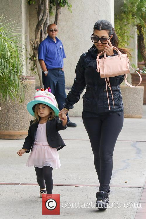 Kourtney Kardashian and Penelope Disick 5