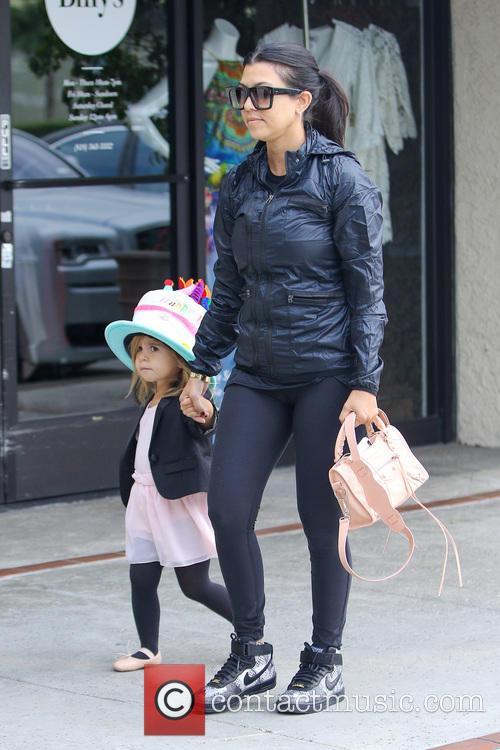 Kourtney Kardashian and Penelope Disick 8