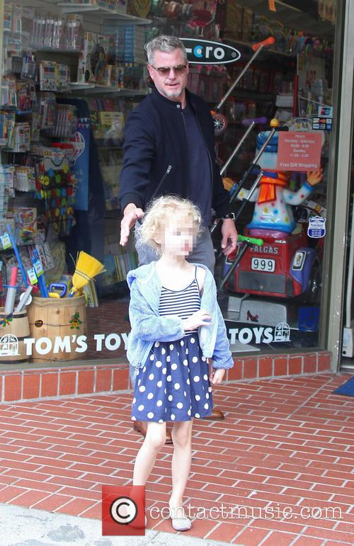 Eric Dane takes his daughter Billie Dane shopping...