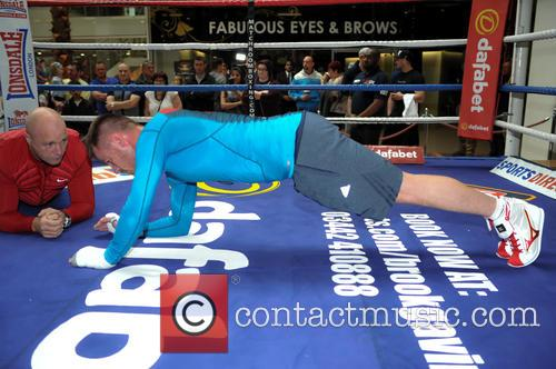 Frankie Gavin has a public workout in Birmingham