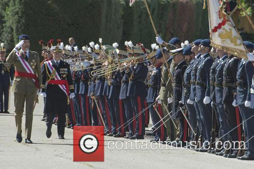 Guards and King Felipe Of Spain 3