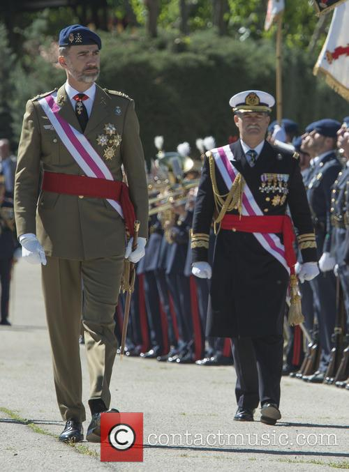 Guards and King Felipe Of Spain 4