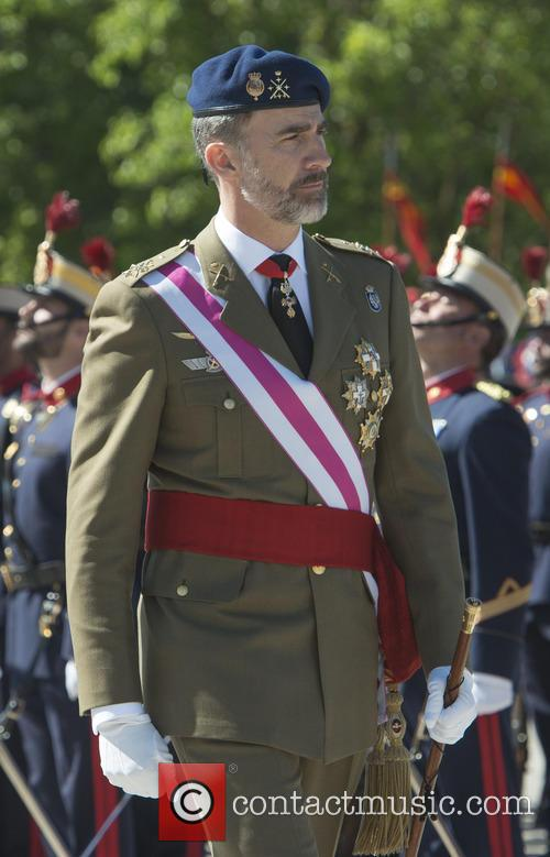Guards and King Felipe Of Spain 6