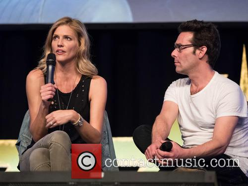 Tricia Helfer and James Callis 4
