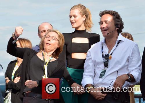 Cornelia Yzer, Toni Garrn and Alejandro Agag 10
