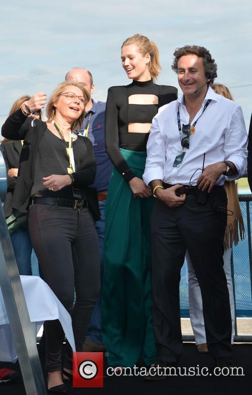 Cornelia Yzer, Toni Garrn and Alejandro Agag 1