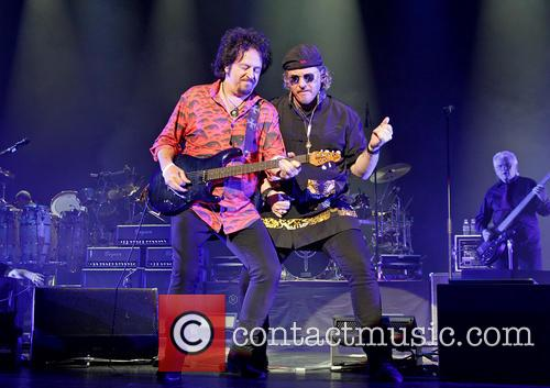 Steve Lukather, Joseph Williams and Toto 7