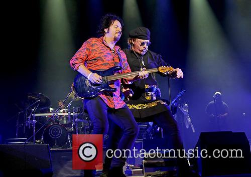 Steve Lukather, Joseph Williams and Toto 8
