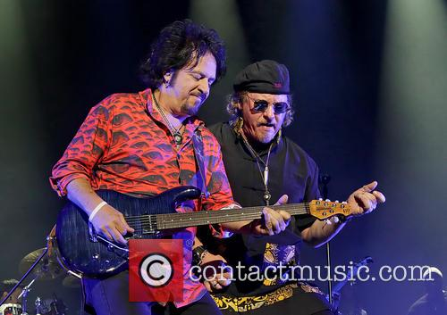 Steve Lukather, Joseph Williams and Toto 10