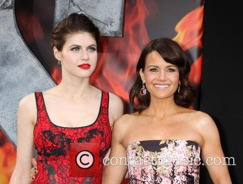 Alexandra Daddario and Carla Gugino 8