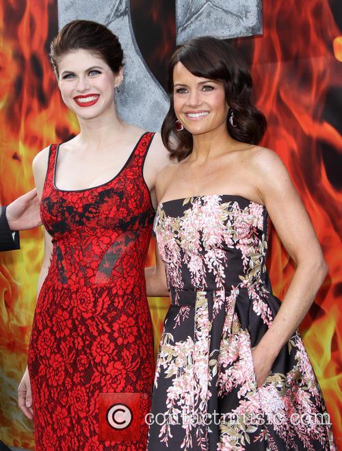 Alexandra Daddario and Carla Gugino 3