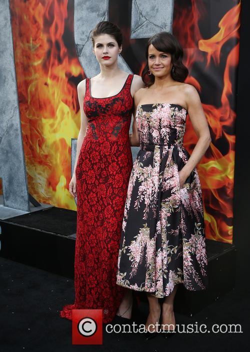 Alexandra Daddario and Carla Gugino 2