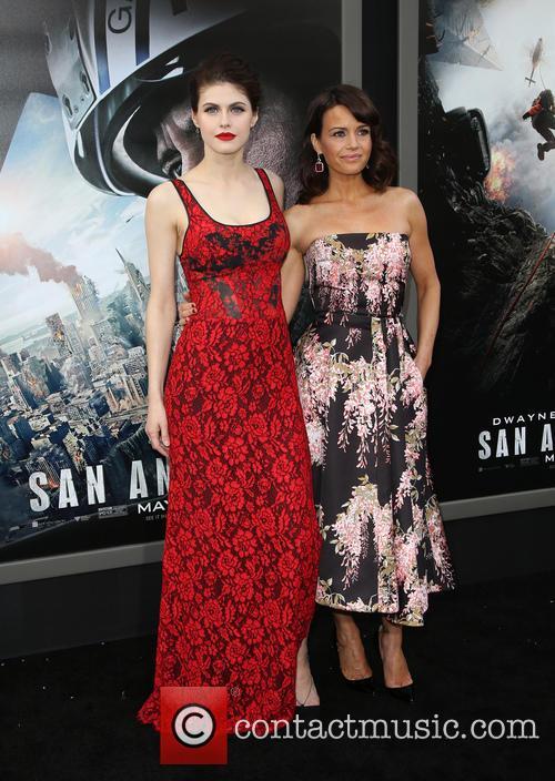 Alexandra Daddario and Carla Gugino 4