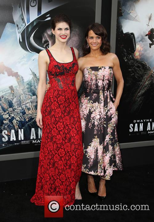 Alexandra Daddario and Carla Gugino 5