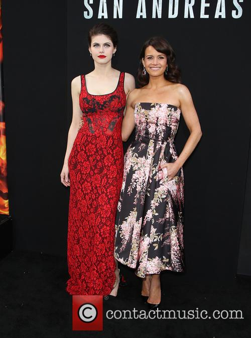 Alexandra Daddario and Carla Gugino 9