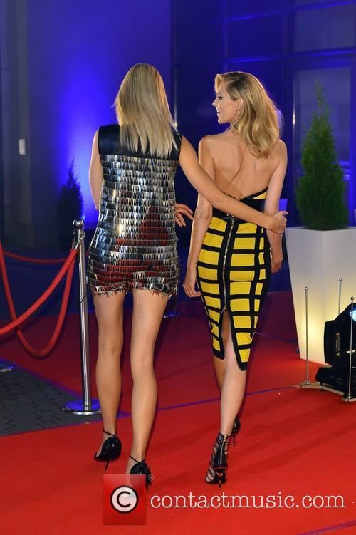 Karolina Kurkova and Anja Rubik 8