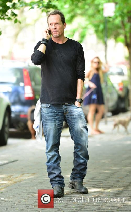 Dean Winters 5