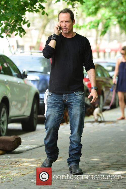 Dean Winters 7