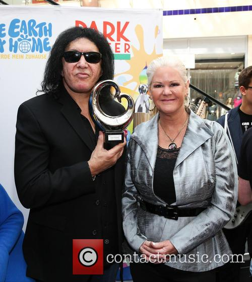 Sheila Lamb and Gene Simmons 4