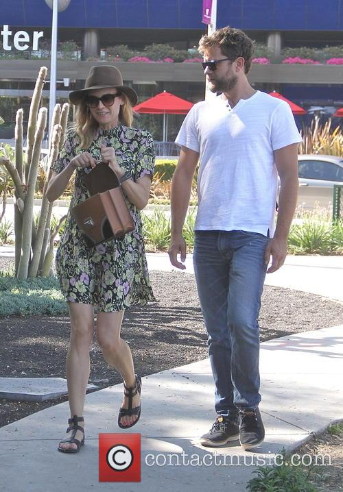Diane Kruger and Joshua Jackson go shopping together