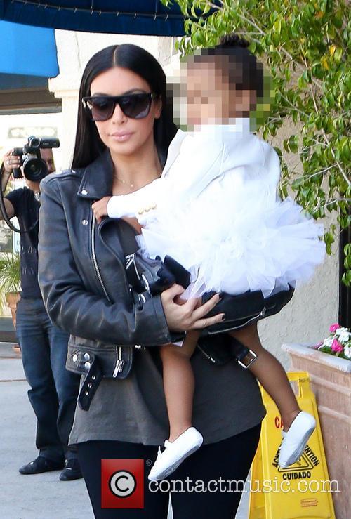 Kim Kardashian, Kourtney Kardashian and North West 1