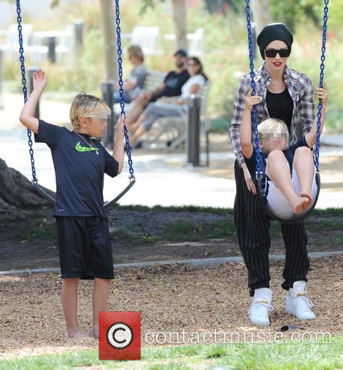 Gwen Stefani, Kingston Rossdale and Zuma Rossdale 6